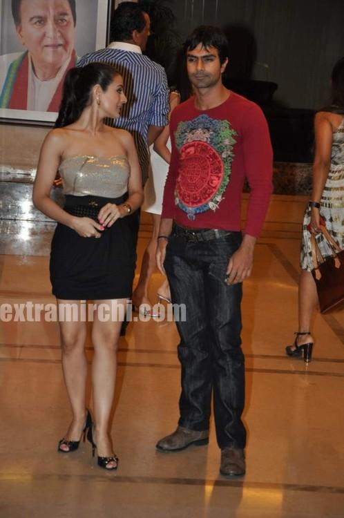 Amisha Patel At Sanjay Dutts Wedding Anniversary Party