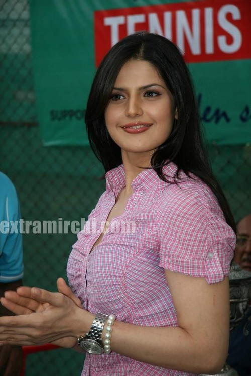 Cute-zarine-khan-at-Tennis-Academy-photos-4.jpg
