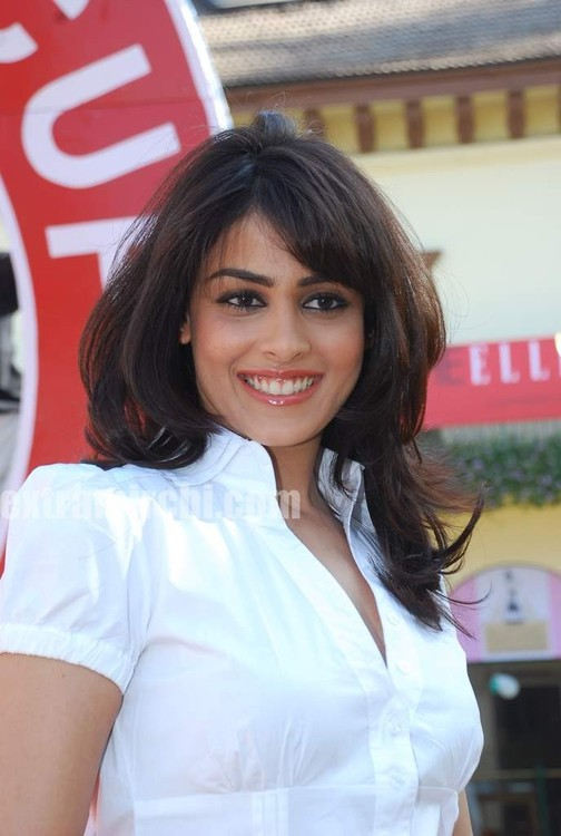 Genelia-at-Elle-Race-1.jpg