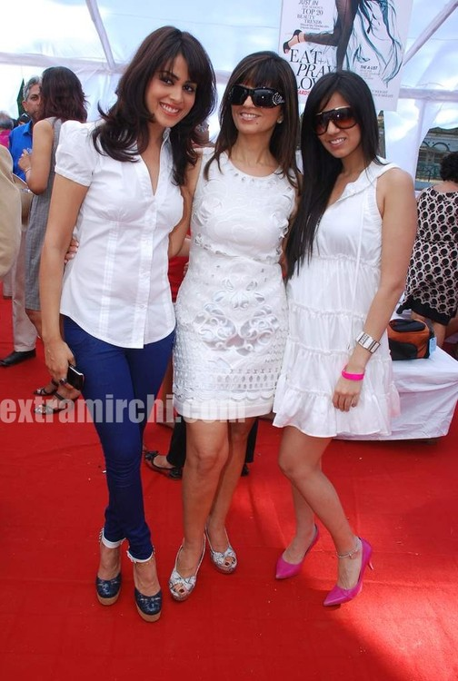 Genelia-at-Elle-Race-4.jpg