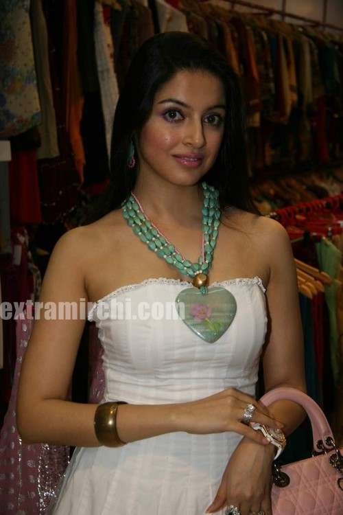 Jaya-Mishra-Valentine-colelction-launch-by-Nayab-Udhas-and-Sheeba.jpg