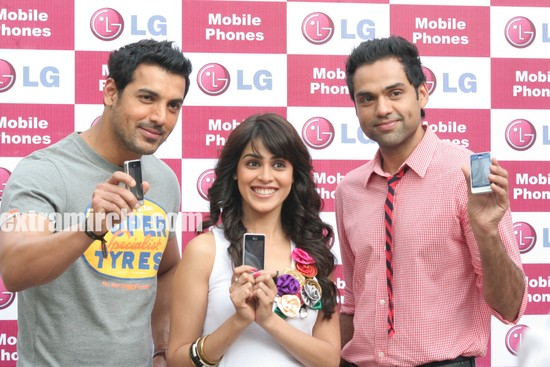 John-Abraham-Genelia-and-Abhay-Deol-LG-Mobiles-photos.jpg