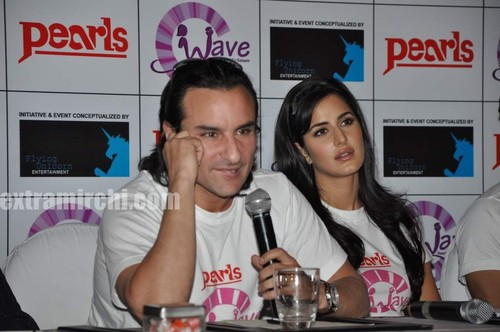 Katrina-kaif-with-Saif-ali-khan-and-Harman-3.jpg