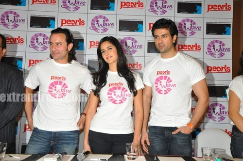 Katrina-kaif-with-Saif-ali-khan-and-Harman-6.jpg