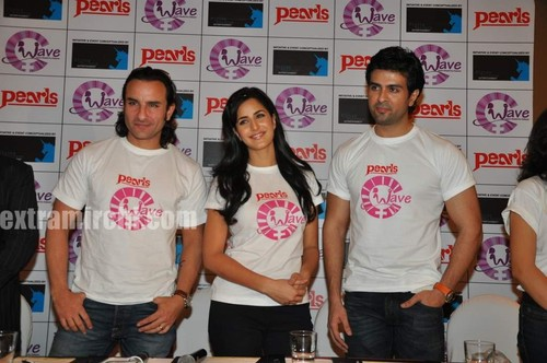 Katrina-kaif-with-Saif-ali-khan-and-Harman-7.jpg