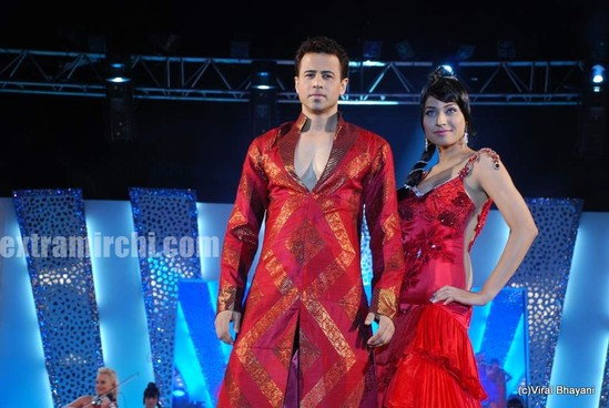 Mugdha-Godse-walks-the-ramp-for-KBJ-group-fashion-show-4.jpg