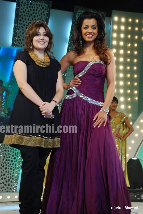 Mugdha-Godse-with-Archana-Kochhar.jpg