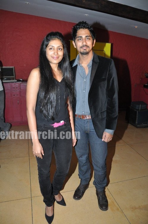 Padmapriya-and-Siddharth-Striker-Success-bash-1.jpg