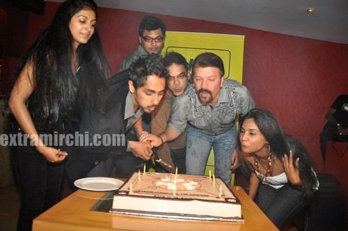Padmapriya-and-Siddharth-Striker-Success-bash-4.jpg