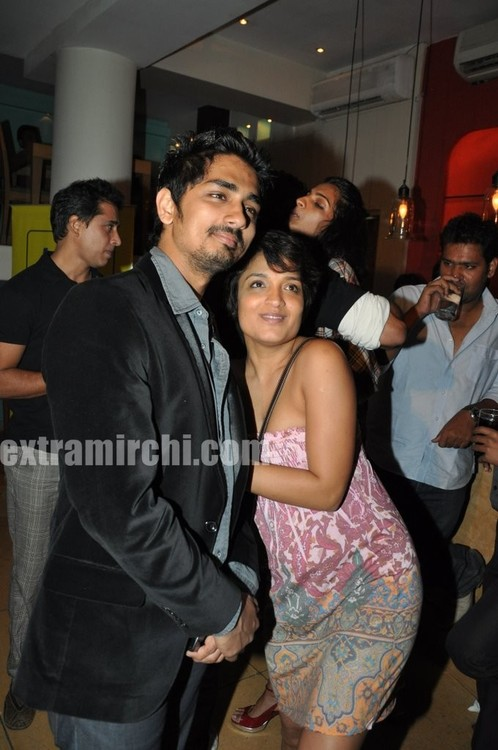 Padmapriya-and-Siddharth-Striker-Success-bash-5.jpg