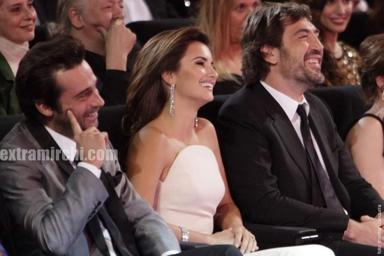 Penelope-Cruz-Goya-Awards-2.jpg