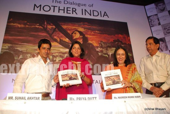 Priya-Dutt-launches-book-on-mother-Nargis-Dutt-Mother-India.jpg