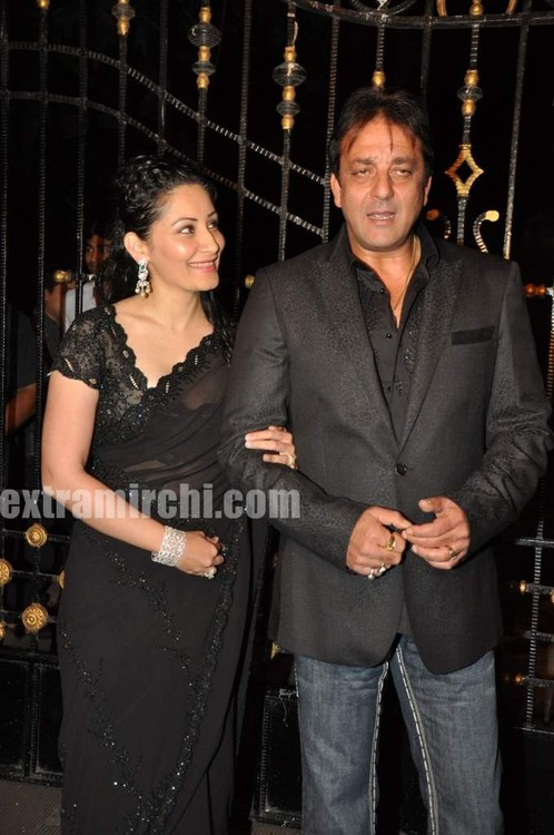 Sanjay-Dutt-and-Manyata-Dutt-wedding-anniversary-party-1.jpg