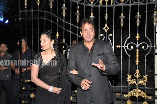 Sanjay-Dutt-and-Manyata-Dutt-wedding-anniversary-party-2.jpg