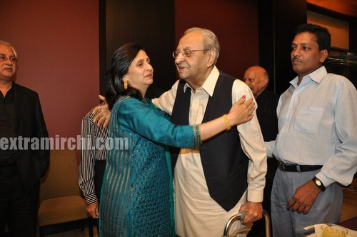 Veteran-actor-Pran-on-his-90th-birthday-Party-2.jpg