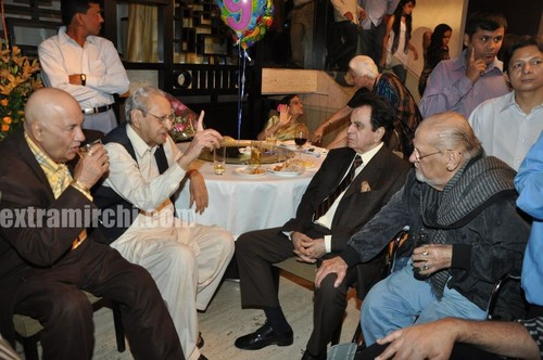 Veteran-actor-Pran-on-his-90th-birthday-Party-5.jpg