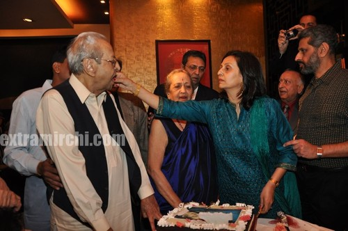 Veteran-actor-Pran-on-his-90th-birthday-Party-6.jpg