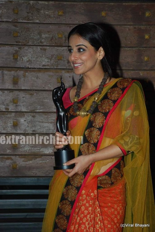 Vidya-balan-at-the-Filmfare-Awards.jpg