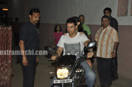 Aamir-Khan-riding-his-bike-with-daughter-Ira-2.jpg