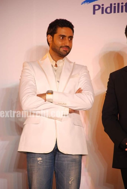 Abhishek-at-CPAA-Shaina-NC-show-presented-by-Pidilite.jpg