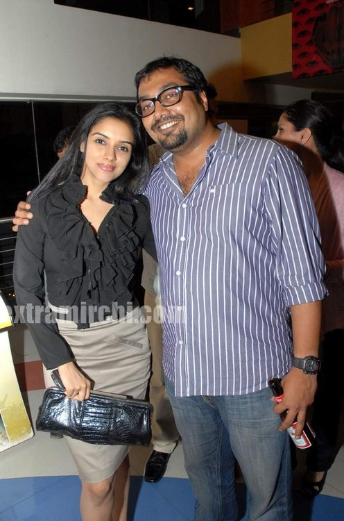 Asin-and-Anurag-at-the-screening-of-Countdown-to-Zero-by-Lawrence-Bender-and-Hosted-by-Niret-and-Nikhil-Alva.jpg