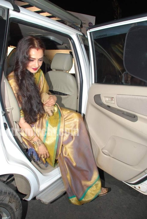 Bollywood-actress-Rekha-in-silk-saree.jpg