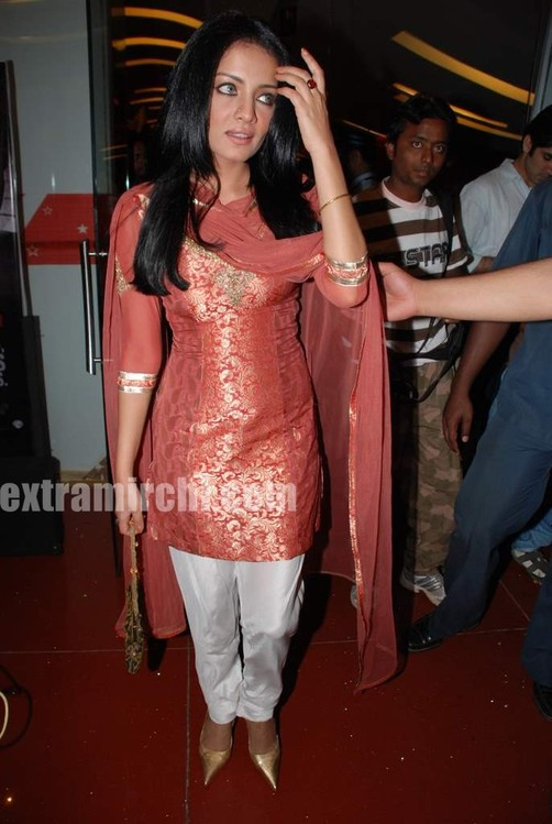 Celina-Jaitley-at-the-premiere-of-film-Lahore.jpg