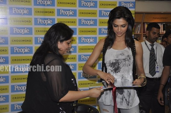 Deepika-Phadukone-People-magazine-main.jpg