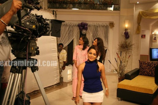 Deepshika-filom-on-location-Yeh-Dooriyan-1.jpg
