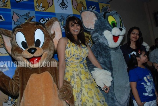 Diana-Hayden-at-Tom-and-jerry-birthday-party-4.jpg