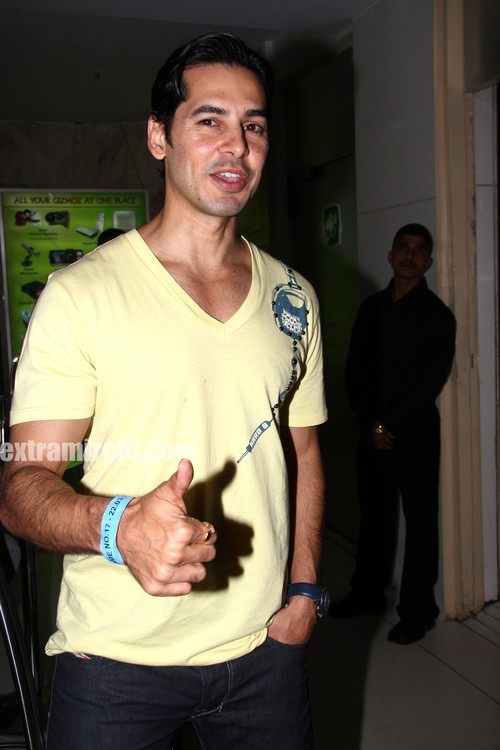 Dino-and-Rahul-Bose-at-MI-KKR-IPL-match-post-party-5.jpg
