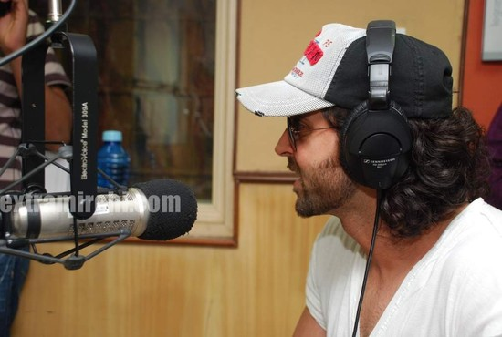 Hrithik-at-Radio-City-main.jpg