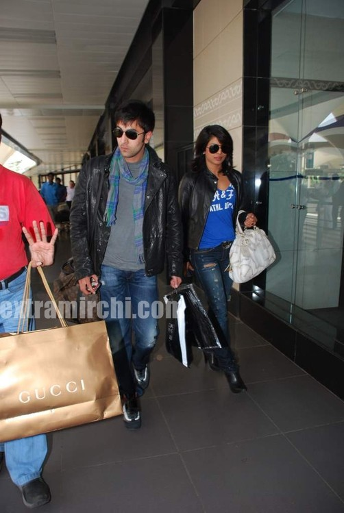 Ranbir-Kapoor-and-Priyanka-Chopra-spotted-at-Mumbai-airport.jpg