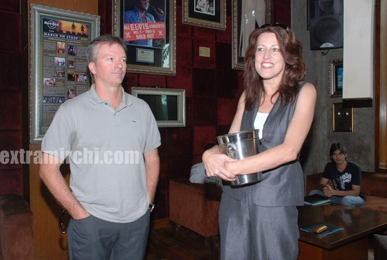 Steve-Waugh-launches-6up-mobile-game-1.jpg