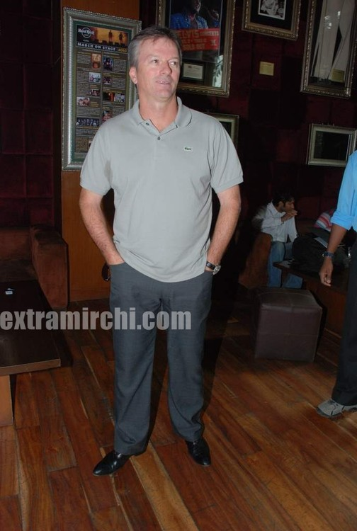 Steve-Waugh-launches-6up-mobile-game-4.jpg