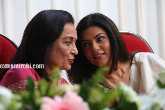 Sushmita-Sen-at-Asha-Parekh-Hospital-main.jpg
