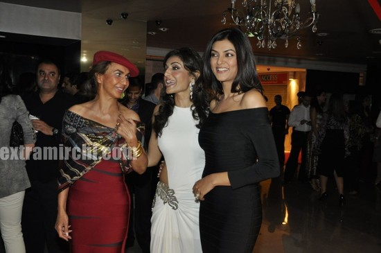 Sushmita-Sen-grace-Queenie-for-Giantti-launch.jpg