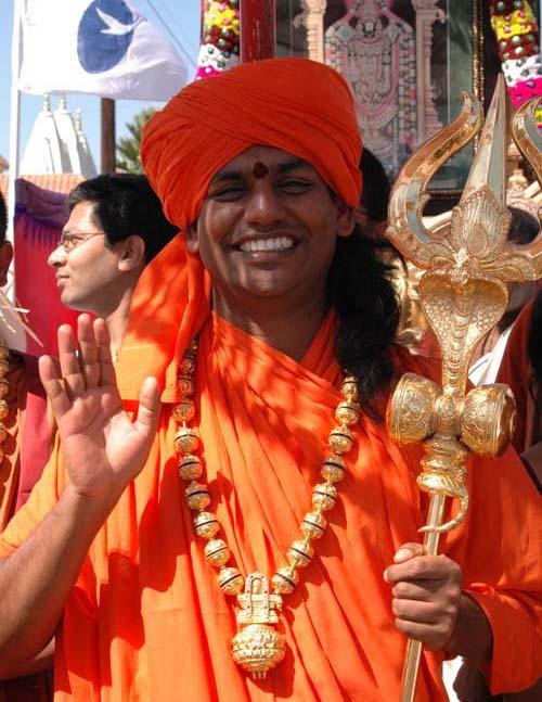 Swami-Paramahams-Nityananda-at-Kumbh_Mela_2007_USA.jpg