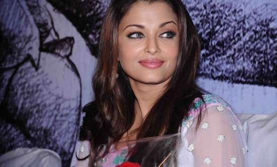 aishwarya-rai-at-rettaisuzhi-audio-function-1.jpg