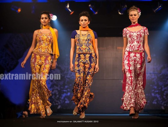 Bipasha-Basu-Ramp-Walk-for-Azeem-Khan-2.jpg