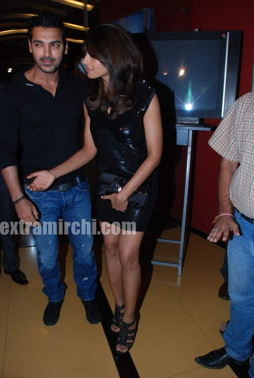 Bipasha-Basu-and-John-Abraham-main.jpg