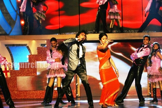 Gaurav-Chopa-and-Mouni-Roy-dancing-.jpg