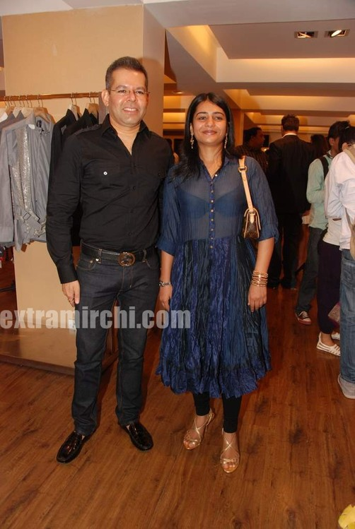 Karan-Johar-menswear-showcases-at-AZA-2.jpg