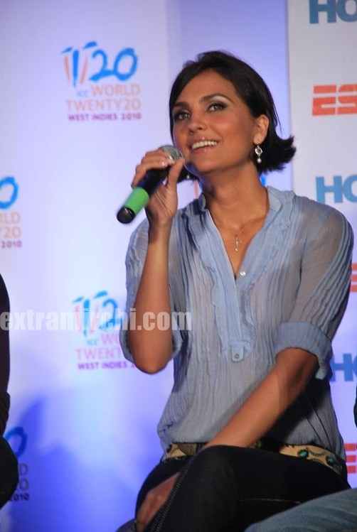 Lara-dutta-Bollywood-actress-2.jpg