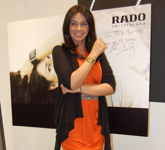 Lisa-Ray-inaugurates-new-Rado-boutique-in-Chennai.jpg