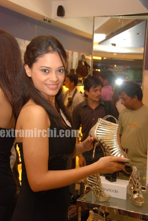 Pantaloons-Femina-Miss-India-2010-finalists-7.jpg