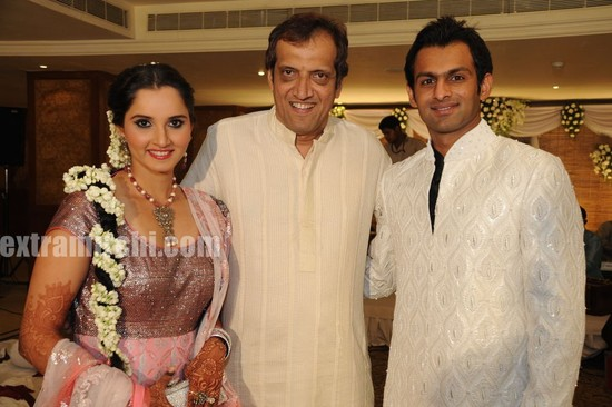 Photos-of-Indian-tennis-star-Sania-Mirza-and-Pakistan-former-cricket-captain-Shoaib-Malik-Sangeet-and-marriage-ceremonies-photos.jpg
