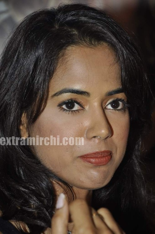 Sameera-Reddy-with-10-Miss-India-finalist-10.jpg