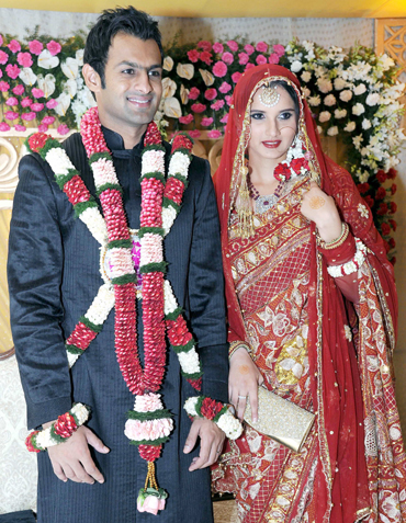 Sania-Mirza-and-Shoaib-Malik-Marriage-Photo-2.jpg