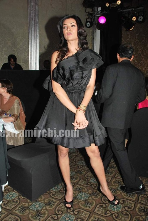 Sushmita-Sen-at-Priya-Chatwal-Kitsch-launch-4.jpg